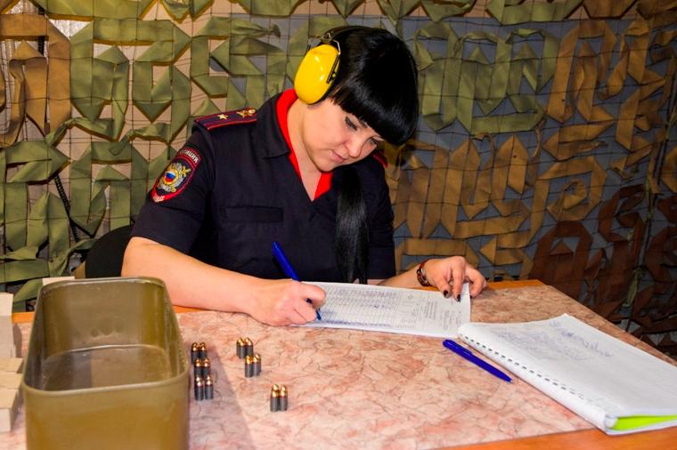 Лучший инспектор поделам несовершеннолетних работает вТоржокском районе