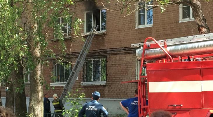 при тушении пожара залили соседнюю квартиру