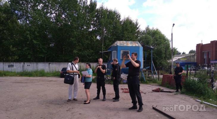 В Ярославле разбирают первую платную стоянку: кадры