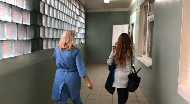 Закрывают пункты скорой: часами ждут врачей ярославцы