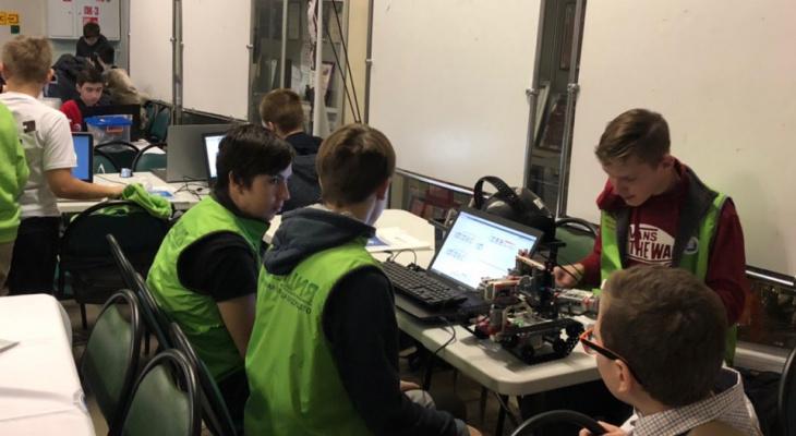 Мальчик создал говорящего робота в Ярославле