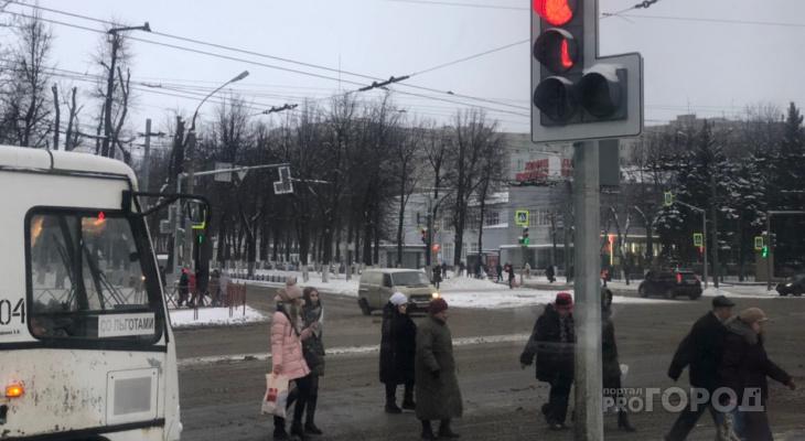 Зимняя резина не спасет: МЧС предупреждает об опасности ярославцев