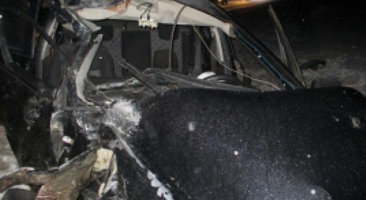 Массовое ДТП на трассе: фура разметала легковушку под Ярославлем