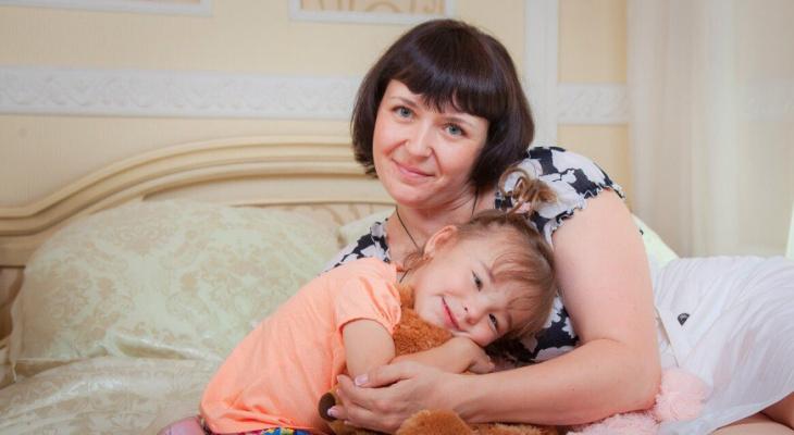 Дочь тянулась к детям: ребенка-инвалида выгнали из детского сада в Ярославле