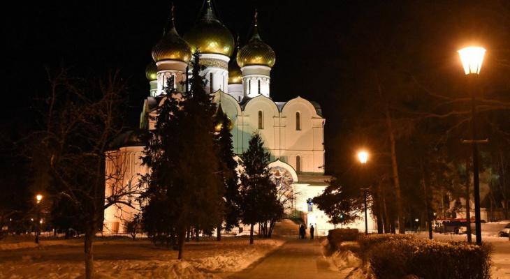 Центр перекроют: Рождественские службы пройдут в 40 церквях и храмах Ярославля. Расписание