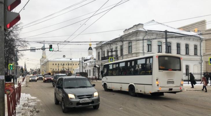 """""""Бензин подорожал"""": поднимут стоимость проезда в ярославски маршрутках"""