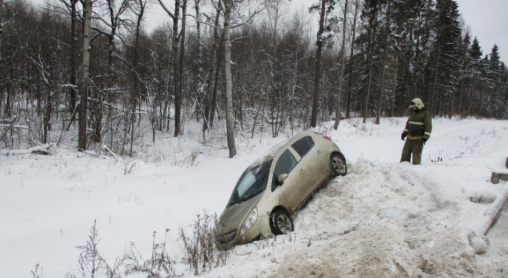 Проклятое место: случилось два ДТП за 20 минут на одном участке трассы под Ярославлем