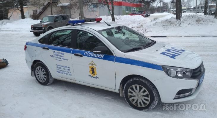 Мужчина погиб, еще двое в больнице: страшная авария произошла в Ярославской области