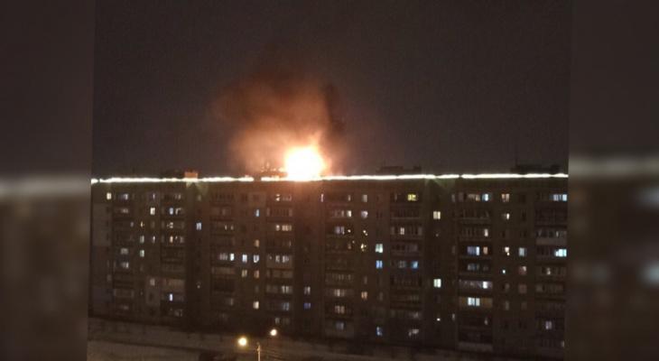 Крыша в огне: подробности пожара в высотке под Ярославлем