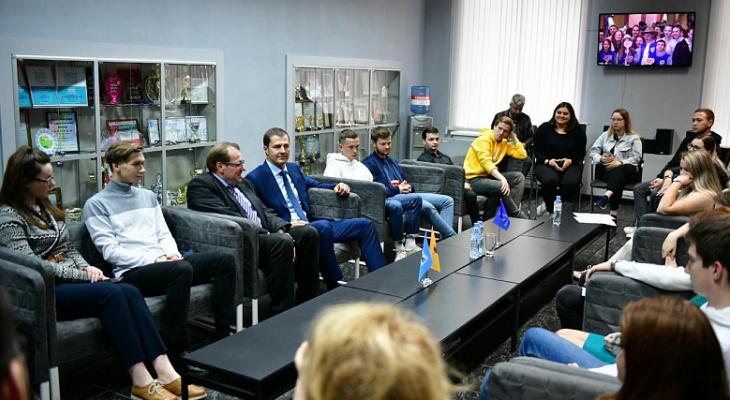 Сделайте сами: мэр  велел студентам разработать схему размещения указателей в Ярославле