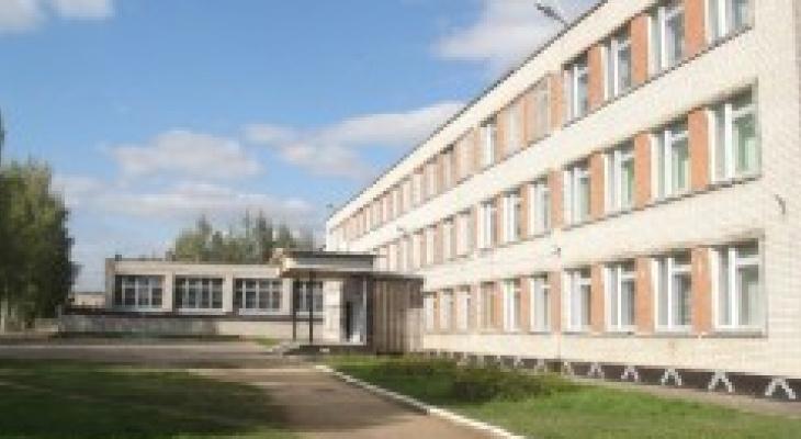 В школе Ярославской области работал мужчина с туберкулезом