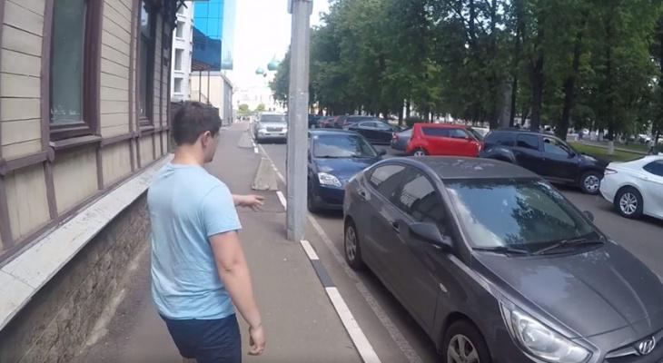 Уснул в раскаленном авто: в Ярославле спасли ребенка