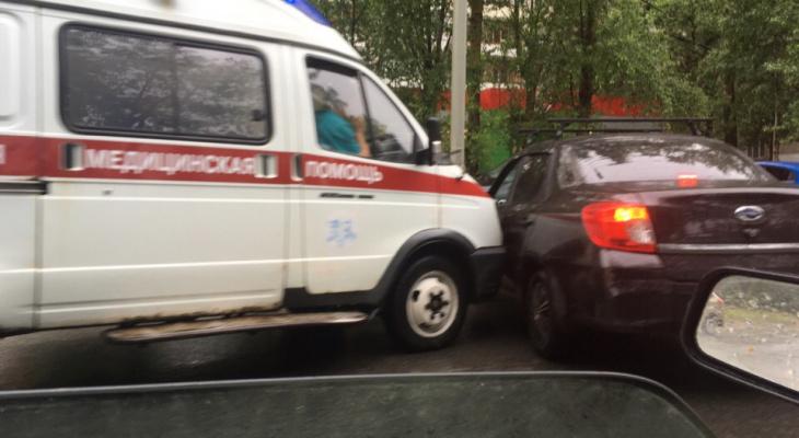 """""""Эти три минуты стоят чьей-то жизни"""": ДТП со скорой в Брагино вызвало волну возмущений"""