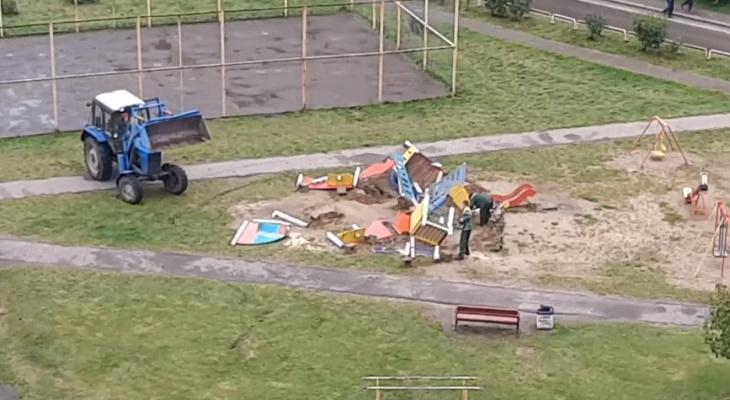 Детские площадки массово сносят в Ярославле: адреса