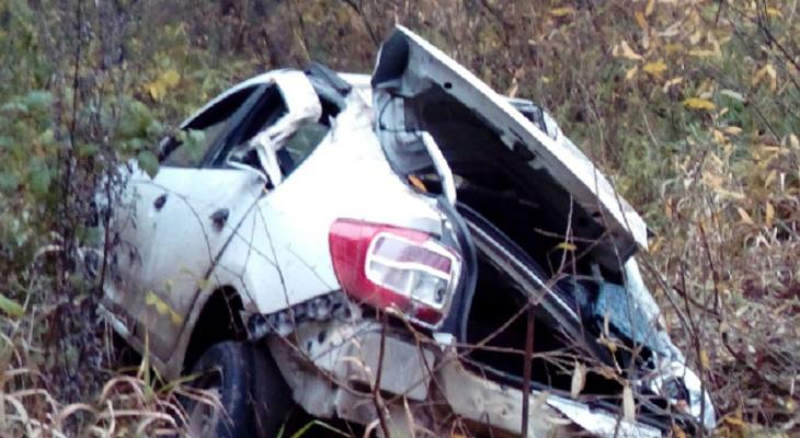 Мертвая петля: водитель оказался в плену своей машины под Ярославлем