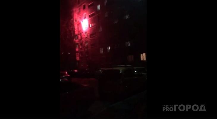 Из окон вылетали искры: ярославцы устроили фаер-шоу в квартире. ВИДЕО