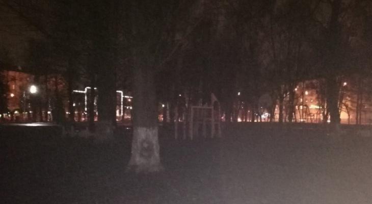 """""""Привяжите к малышам фонарики"""": из-за экономии ярославцы перестали гулять с детьми"""
