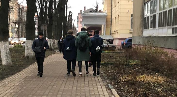 Дети массово сбегают на улицы: страшная статистика из Ярославля