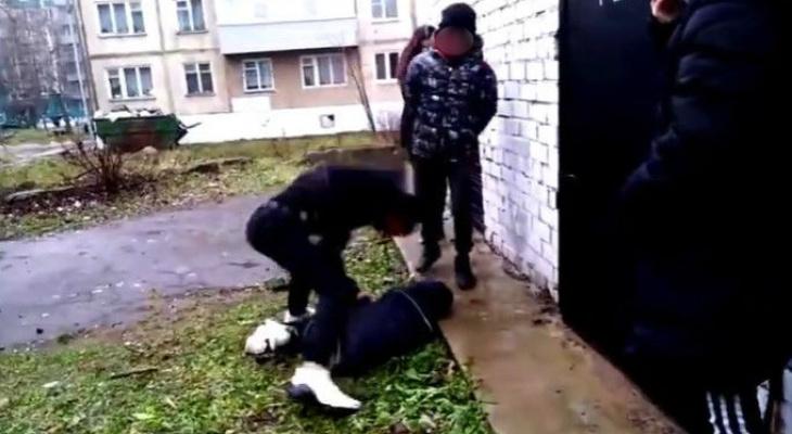 Подросток жестоко избил сверстника под Ярославлем: Следком начал проверку