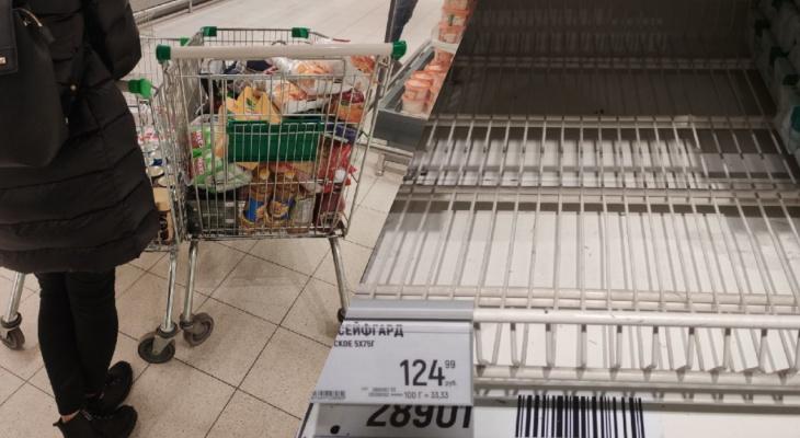 """Скупают гречку, консервы и антисептики: ярославцы впали в """"коронавирусную паранойю"""""""