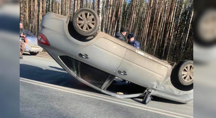 Реанимация и перевернутое авто: в Ярославле произошла жуткая авария