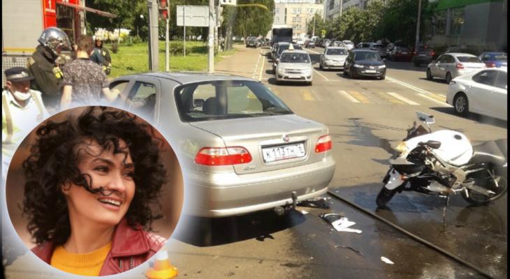 """""""Из шеи фонтаном хлестала кровь"""": мама троих детей спасла жизнь мотоциклисту, попавшему в ДТП"""