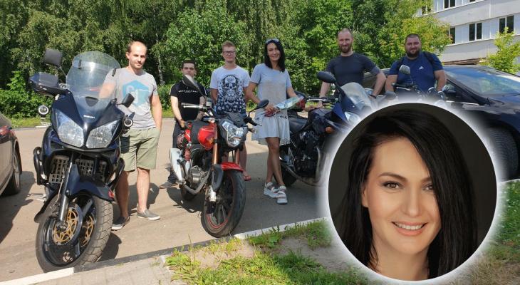 «Зажимала рану рукой»: байкеры отблагодарили мать троих детей за спасение товарища в Ярославле