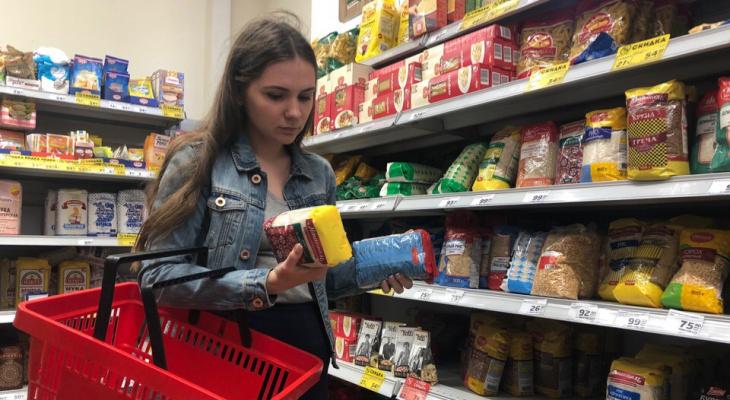 Гречка стала дорогая: в Ярославской области выросли цены на крупы и ещё ряд продуктов