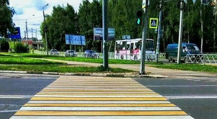 И так сойдет: в Ярославле сделали пешеходный переход в столб