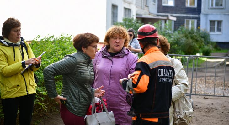 Жильцы дома на Батова после взрыва возвращаются в квартиры: что говорят эксперты