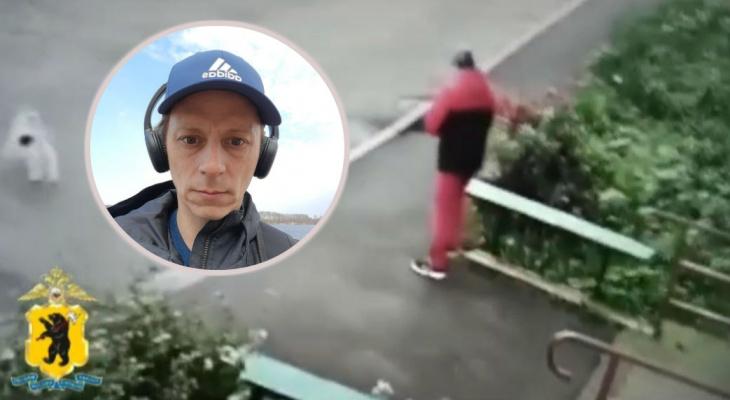 Накинул капюшон и скрылся: подозреваемый в убийстве детей попал на камеры в Рыбинске