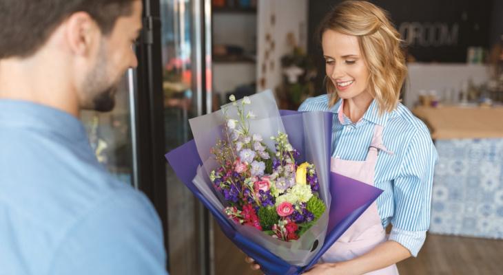 Как «подкатывают» ярославцы: определяем характер мужчины по букету цветов