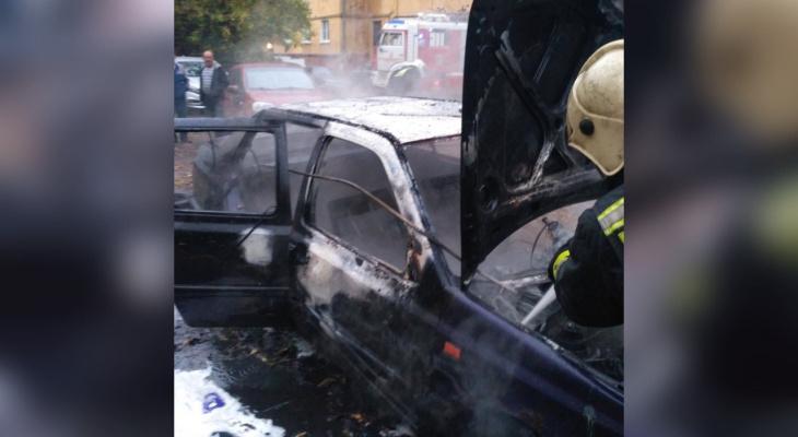 Спалил авто любовнику: ревнивого ярославца взяли за поджог