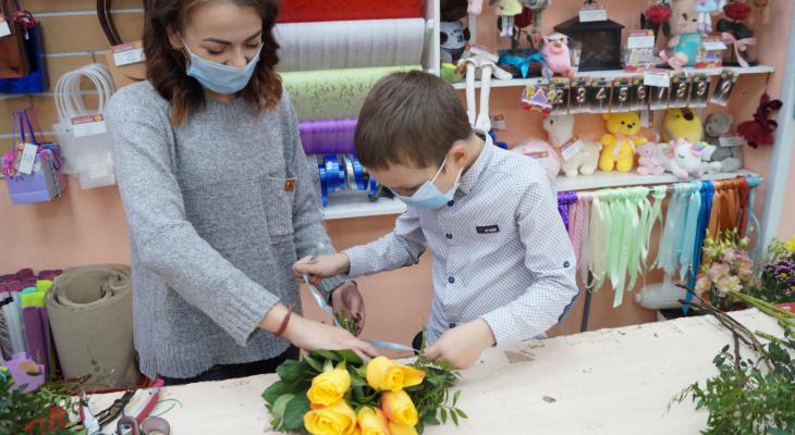 В Германии — розы, в Японии — гвоздики: а какие цветы дарят на День Матери в Ярославле
