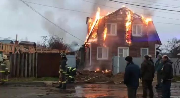 Сжег от обиды: работник спалил под Ярославлем дом за три миллиона