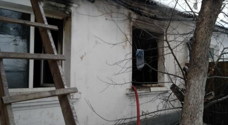 Малыша вытащили через окно: дом многодетного священника сгорел в Ярославле