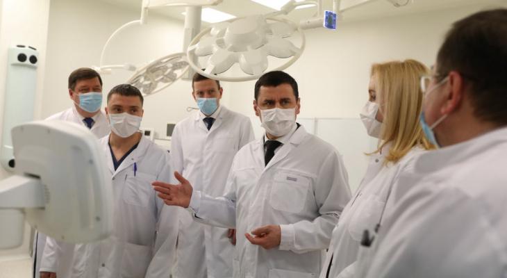 Плюс 500 операций: в Соловьевскую больницу завезли оборудования и мебели на 24 миллиона