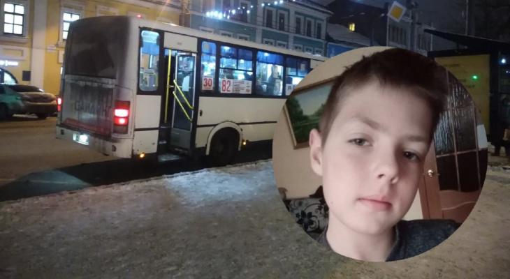 Выгнали под фуры: в Ярославле ещё одного ребенка высадили в мороз из автобуса