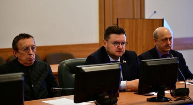 Задержанного в Ярославле депутата Фомичёва суд отправил домой