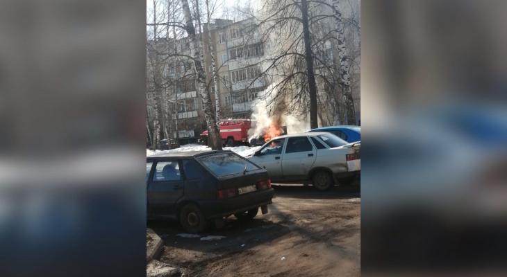 Столб дыма во дворе Брагино: что случилось