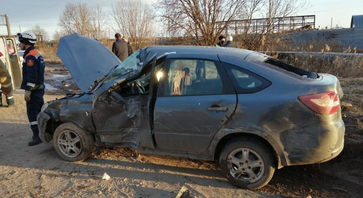 Удар пришелся на водителя: жуткое ДТП случилось в Брагино