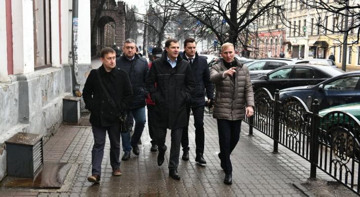 """""""Явление Христа народу..."""": в Ярославле поменяют правила парковки на Торговом переулке"""