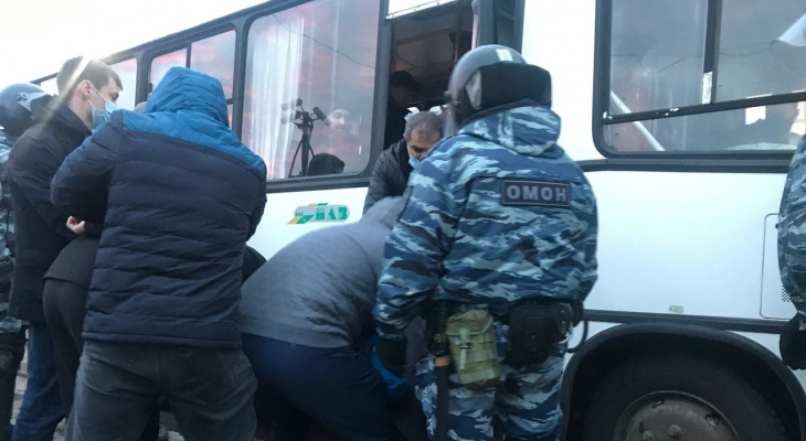 Протесты в Ярославле: как задерживают и проверяют авто