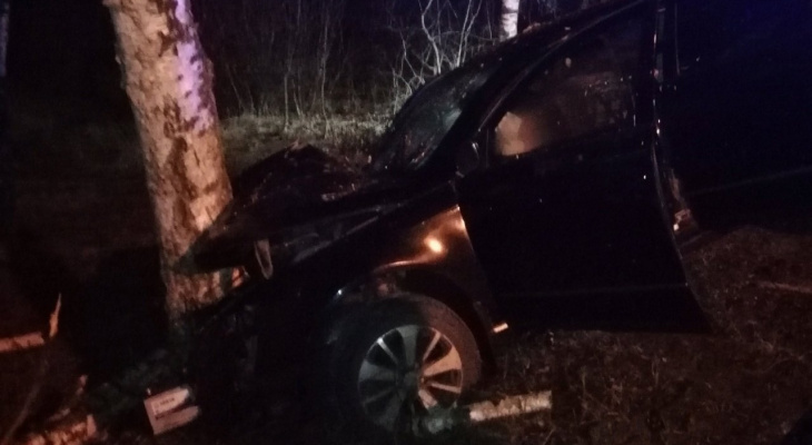 От удара вывалился из авто: жёсткая авария случилась под Ярославлем