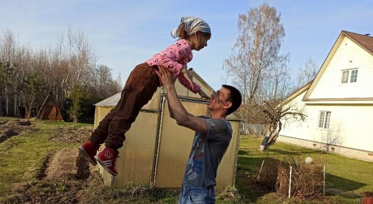 Дачные майские: как уговорить детей поехать за город