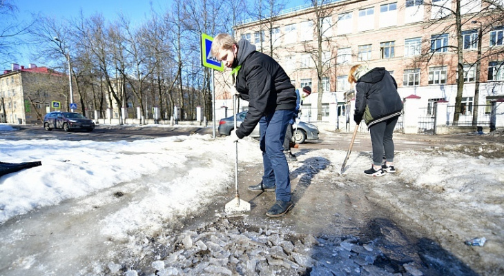 Каждый год одно и тоже: как убирают снег в Ярославле
