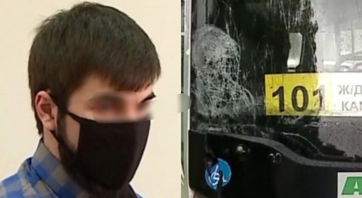 Убил мужчину: водителем автобуса в Ярославской области работал наркоман