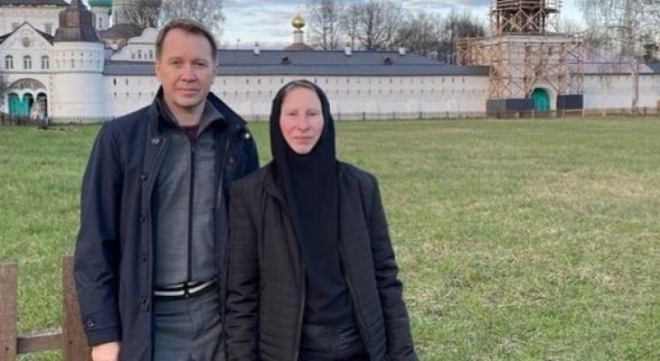 """""""Молодые, приветливые девушки"""": актер Миронов открыл завесу тайны Толгского монастыря"""