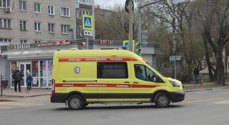 Переломанных пассажиров тащили из салона: в Ярославле столкнулись два автобуса