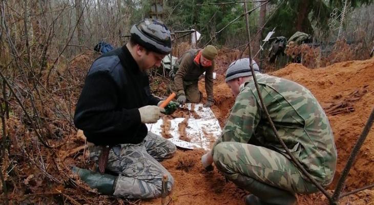 Воссоединили после смерти: ярославцы нашли героя по загадочной табличке в лесу
